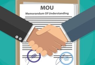 Mou hands absent84 fotolia