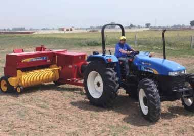 A New Holland TT75 tractor01